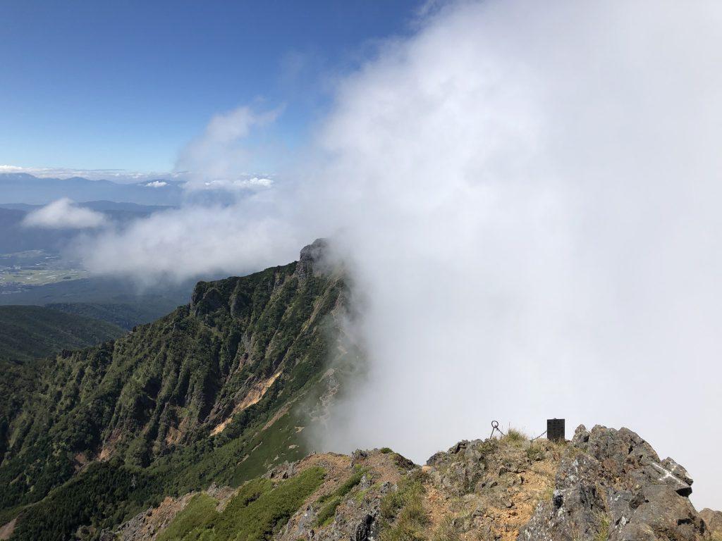 八ヶ岳連峰 赤岳 阿弥陀岳 山頂