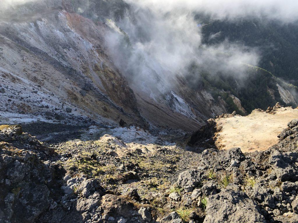 八ヶ岳連峰 硫黄岳 山頂 爆裂火口